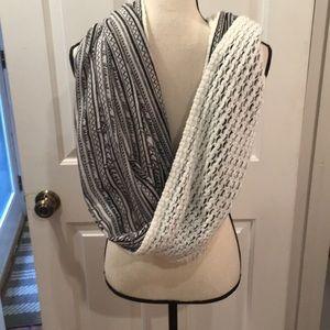 NWT BCBG  Generation infinity scarf